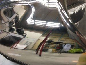ヘッドライトスチーマー施工前のクラック除去完了のヘッドライト2