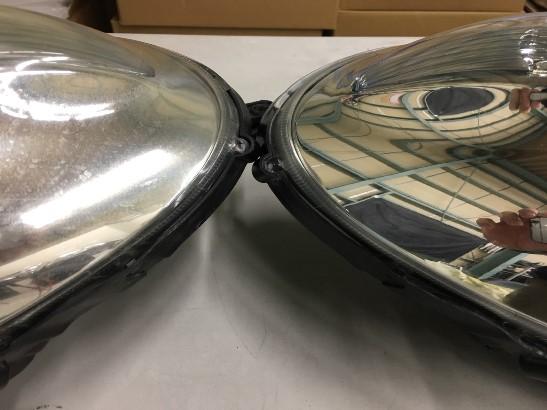 ヘッドライトクラック除去前とクラック除去後の比較画像