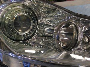 ヘッドライトスチーマー施工後の日産フーガのヘッドライトの状態1