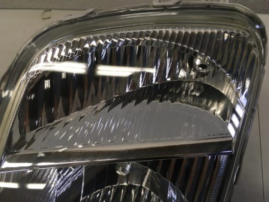 トヨタWILLのヘッドライト黄ばみリペア完了の状態