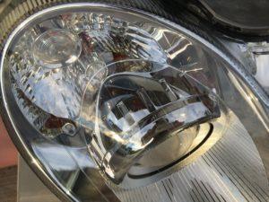 ベンツのヘッドライト黄ばみや劣化を除去した状態