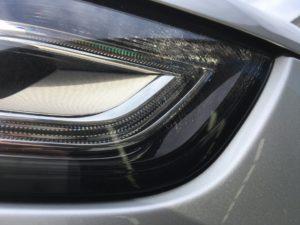 アウディA4のヘッドライトクラック除去施工前