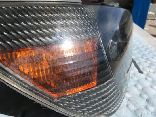 トヨタアルテッツァのヘッドライトクリア剥がれの状態