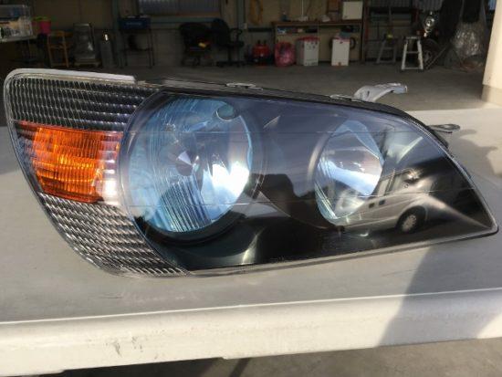 トヨタアルテッツァのヘッドライトクリア剥がれリペア完了時の状態