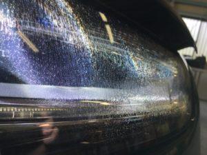 アウディA4のクラックが発生したヘッドライト
