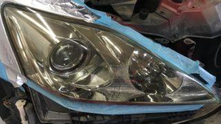 レクサスISのクラックが発生したヘッドライト