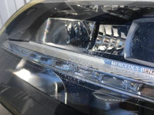 メルセデスベンツCLSのヘッドライトクラック
