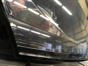 アウディTTのヘッドライトクラックの様子