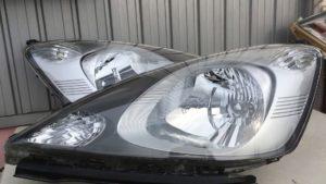 ホンダフィットのヘッドライト黄ばみ除去とブライトマン施工