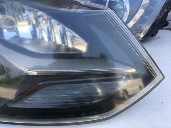 VWポロのヘッドライト黄ばみクラックリペアプロテクションフィルム施工 (11)