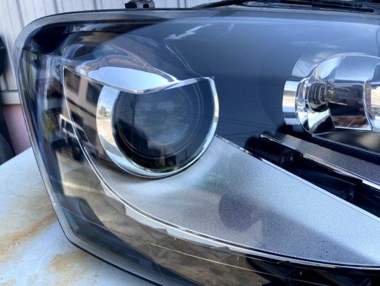 VWポロのヘッドライト黄ばみクラックリペアプロテクションフィルム施工 (4)